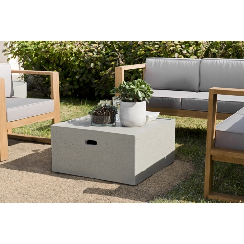 https://www.dpi-import.com/5538-thick_dpi-import/table-basse-carree-68x68cm-beton.jpg